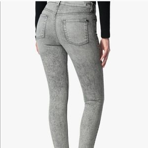 7 For All Mankind Acid Wash Skinny Jeans!